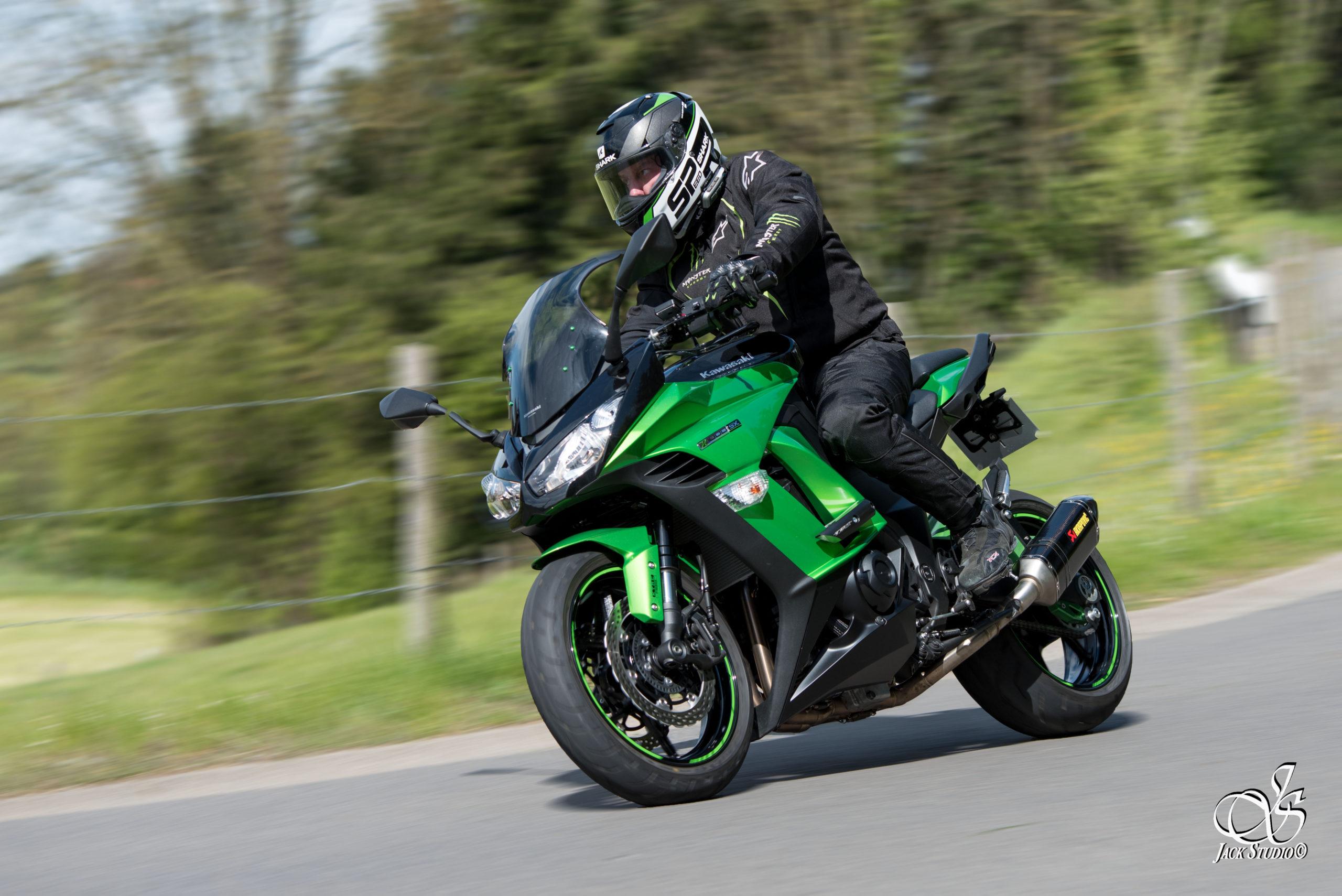 Portrait avec moto